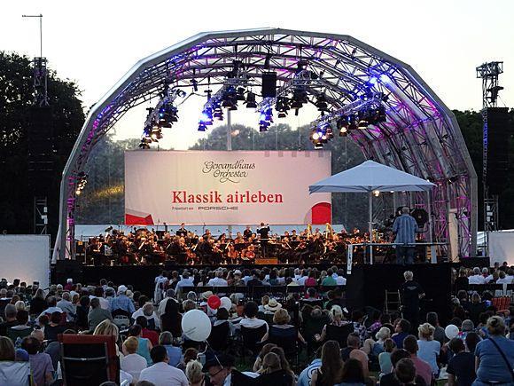 The Leipzig Gewandhaus Orchestra Open Air 2016 in the Rosental